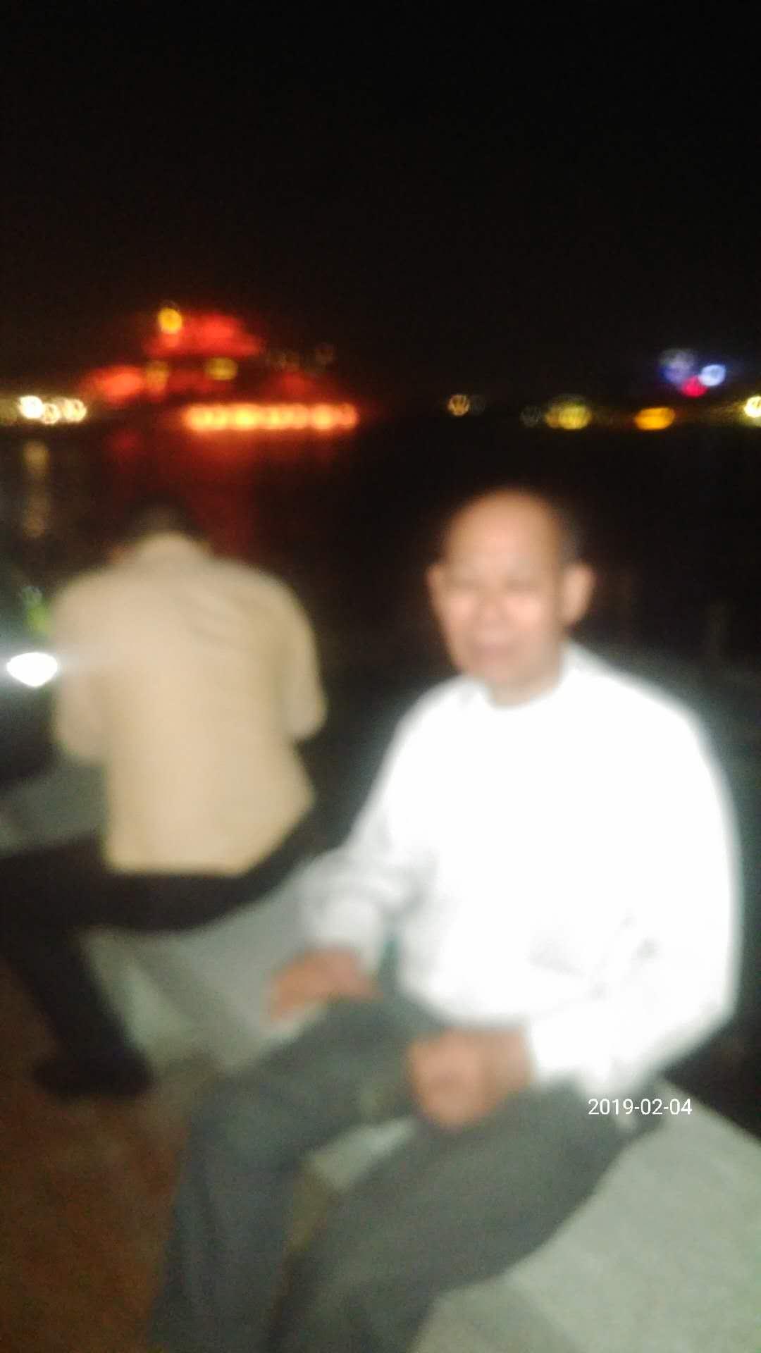 顺德新景观 顺峰山公园年三十晚至年初七晚上,举行灯光秀